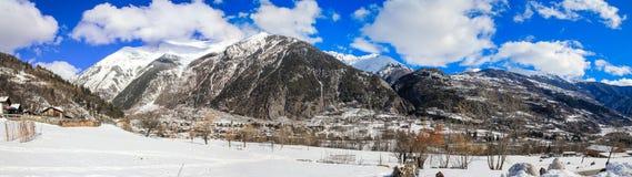 amden område nära den panoramaskidåkningswitzerland vintern Royaltyfria Foton