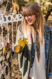 ame el otoño, los colores y a la muchacha Fotografía de archivo libre de regalías