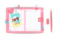 Ame o menino e a menina com livro de nota 4 Foto de Stock Royalty Free