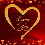 Ame-o no coração dourado no vermelho Imagem de Stock