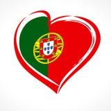 Ame Portugal, emblema del corazón en la bandera nacional coloreada Foto de archivo libre de regalías