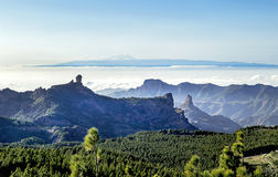 """Amegine sikt från det högsta maximumet av Gran Canaria ö†""""Pico de las Nieves Arkivbild"""