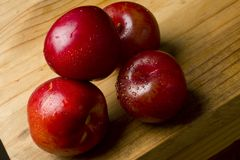 Ameixas de cereja e nectarina Imagens de Stock Royalty Free