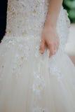 Amende modelée du ` s de jeune mariée de jupe de dentelle la belle a préparé l'international nuptial Photo libre de droits