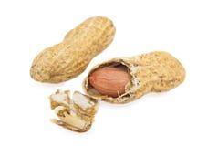 Amendoim com shell rachado Fotos de Stock Royalty Free
