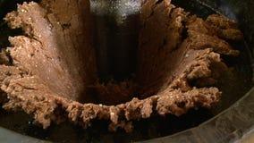 Amendoim de moedura para fazer o óleo, Bagan, Myanmar vídeos de arquivo