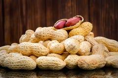 Amendoim descascado em amendoins bons Imagem de Stock Royalty Free