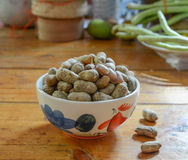 Amendoim descascado em amendoins bons Imagem de Stock