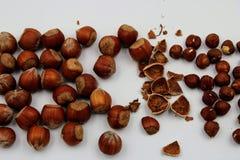 Amendoins inteiros e fósforos fotografia de stock royalty free
