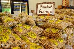 Amendoins Roasted para a venda Imagem de Stock