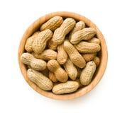 Amendoins secados na bacia Imagem de Stock