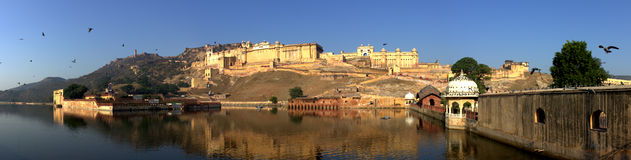 Amer Fort Lake. Amer Fort is located in Amer, a town with an area of 4 square kilometres located 11 kilometres from Jaipur, Rajasthan state, India. Located high Stock Photography