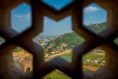 Amer, Inde - 19 septembre 2017 : Étoile détaillée de six crêtes d'un écran de marbre complexe en Amber Fort, près de Jaipur Photos stock