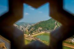 Amer, Inde - 19 septembre 2017 : Étoile détaillée de six crêtes d'un écran de marbre complexe en Amber Fort, près de Jaipur Photos libres de droits