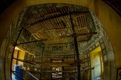 Amer, la India - 19 de septiembre de 2017: Vista interior del palacio en Amer, con algunas herramientas en vías de un remodelado  Fotos de archivo