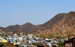 Amer-Stadt in den Vorbergen von aravali Bergen, Stadtrand Jaipur Rajasthan Indien Stockfotografie