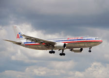 American Airlines A-300 jet landing Stock Photos