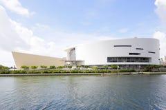 American Airlines arena i stadens centrum Miami Royaltyfri Foto