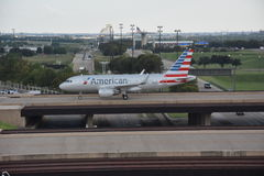 American Airlines au Dallas-fort en valeur l'aéroport international dans le Texas Images stock