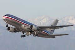 American Airlines Boeing 767 avions décollant de l'aéroport international de Los Angeles Image libre de droits