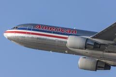 American Airlines Boeing 767 avions décollant de l'aéroport international de Los Angeles Photographie stock