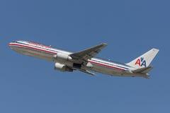 American Airlines Boeing 767 avions décolle de l'aéroport international de Los Angeles Photo libre de droits