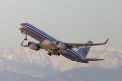 American Airlines Boeing 757 décollant de l'aéroport international de Los Angeles Image stock