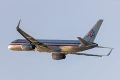 American Airlines Boeing 757 décollant de l'aéroport international de Los Angeles Photographie stock