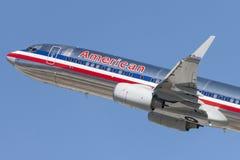 American Airlines Boeing 737 décolle de l'aéroport international de Los Angeles Photographie stock