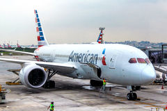 American Airlines Boeing 787-8 Dreamliner Photos stock
