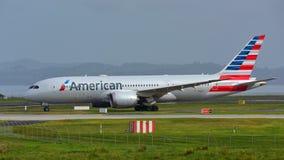 American Airlines Boeing 787-8 Dreamliner roulant au sol pour le départ à l'aéroport international d'Auckland Photo libre de droits