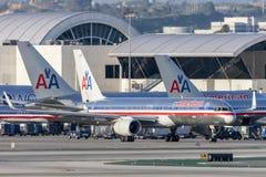 American Airlines Boeing 757 flygplan på Los Angeles den internationella flygplatsen Royaltyfria Foton