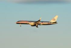 American Airlines echa en chorro Imagenes de archivo