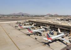 American Airlines parqueó en el aeropuerto de Phoenix SkyHarbor 28 de mayo de 2016 (Reuters) Fotografía de archivo libre de regalías