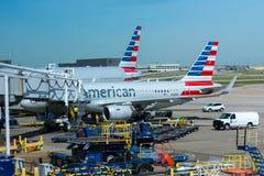 American Airlines voyagent en jet à l'aéroport Photographie stock libre de droits