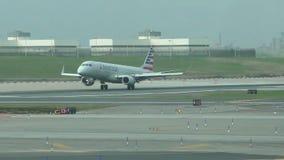 American Airlines voyagent en jet l'atterrissage clips vidéos