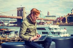 Young business woman traveling, working in New York Royalty Free Stock Photos