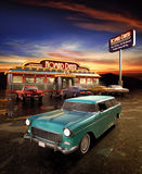 American Diner. Retro American diner at dusk stock illustration