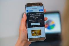 American Express-Website am Handy lizenzfreie stockfotos