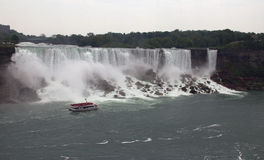 American Falls with Hornblower boat Stock Images