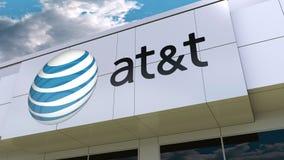 American Telefone und Telegraf Company AN t-Logo auf der modernen Gebäudefassade Redaktionelle Wiedergabe 3D Stockfotografie