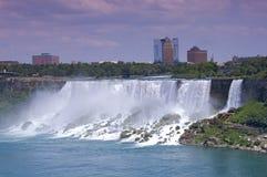 Americanen faller, och brud- skyla Falls på Niagara Arkivfoto