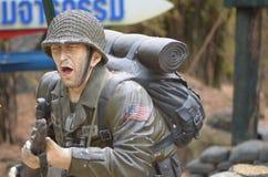 americanen tjäna som soldat statyn Arkivbild