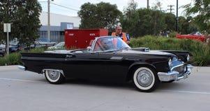 Americano clásico Ford Thunderbird de los años 60 Fotos de archivo libres de regalías