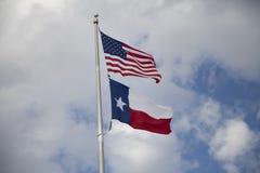 Americano e bandeiras de Texas Imagens de Stock Royalty Free