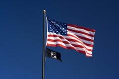 Americano e bandeiras do PRISIONEIRO DE GUERRA MIA Foto de Stock Royalty Free
