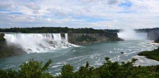 Americano e quedas em ferradura, de Niagara Falls, Ontário Fotografia de Stock