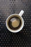 Americano kaffe i standard vit rånar Arkivbilder