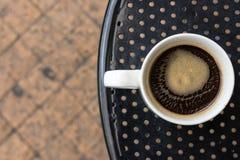 Americano kaffe i standard vit rånar Fotografering för Bildbyråer