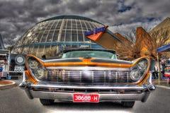 Americano pintado aduana Ford Lincoln Continental de los años 50 Imágenes de archivo libres de regalías